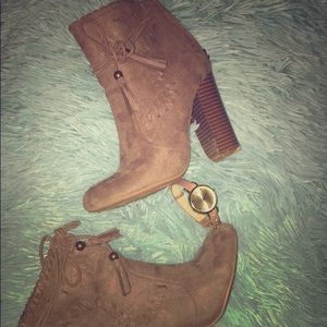 Bamboo suede 5 inch boots, 6.5